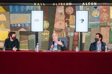 Enrique Avogadro, ministro de Cultura; Jorge Telerman, director del CTBA; y Fernando Elías, Jorge, del Banco Ciudad