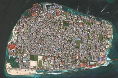 En Malé, la capital de Maldivas, 130.000 personas viven en casi 2,5 kilómetros cuadrados