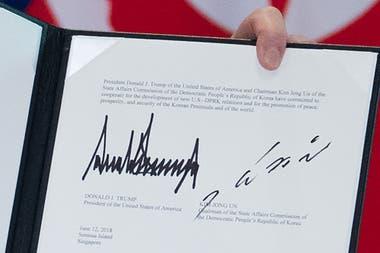 """Según el texto, el nuevo vínculo entre Washington y Pyongyang responderá al deseo de ambos pueblos de """"paz y bienestar"""""""