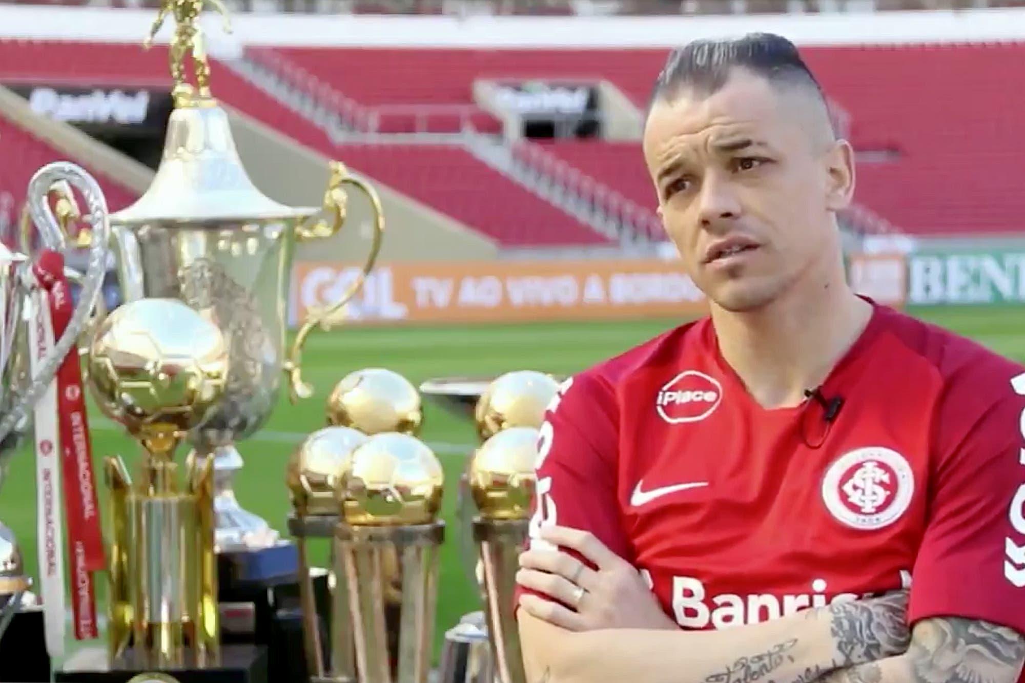 Las que no ganó con River  El jugador argentino con más trofeos en Brasil