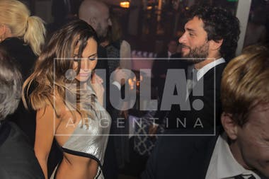 El viernes 9, ella lo acompañó en la inauguración de Black, el bar que él abrió con otros socios en Juramento y Libertador.