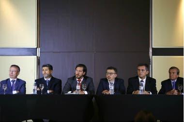 Los integrantes del Tribunal de Disciplina: Daniel Artana (economista jefe de FIEL); Gustavo Abreu (abogado experto en derecho deportivo); Mario Laporta (abogado, presidente del tribunal); Ángel Nardiello (abogado, vicepresidente); Hernán Etiennot (abogado) y Carlos Rotman (abogado)