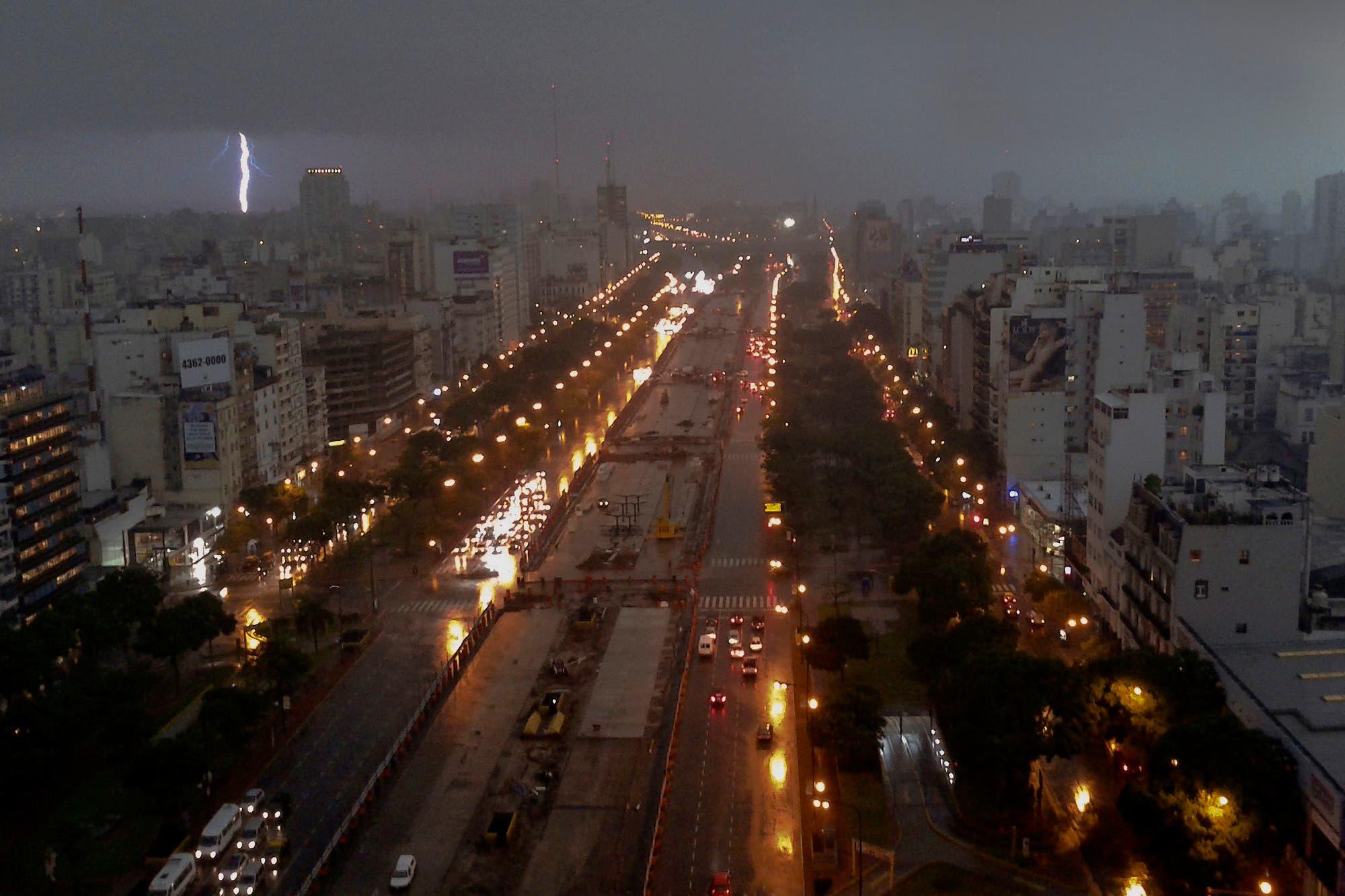 Pronóstico del tiempo: rige una alerta por tormentas intensas para la Capital y varias provincias