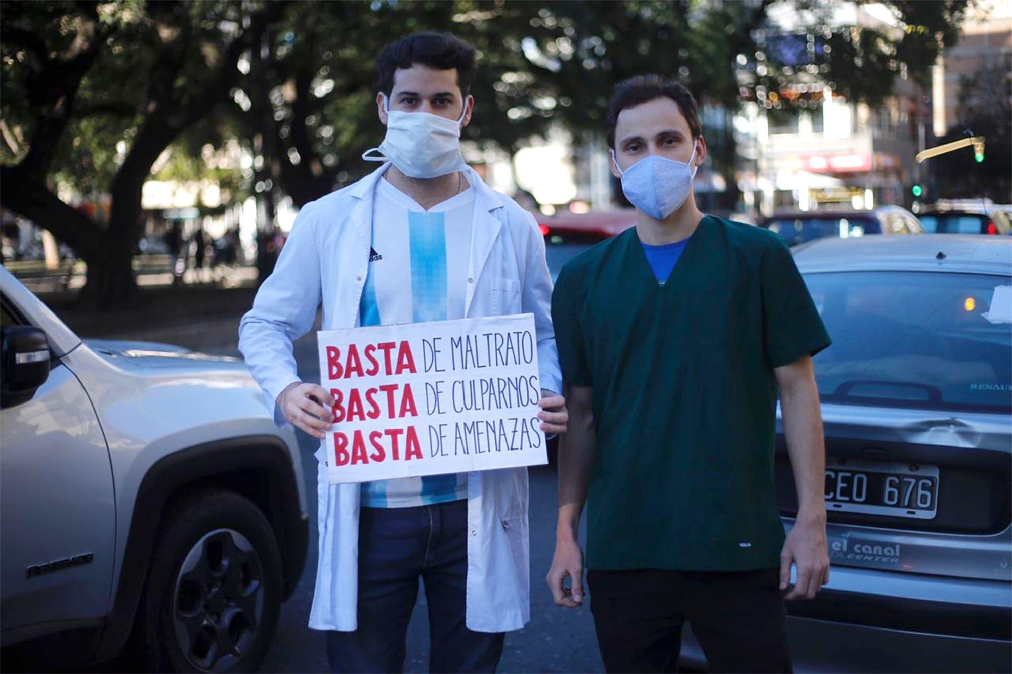 Coronavirus. Multitudinaria marcha contra la imputación de médicos en Córdoba