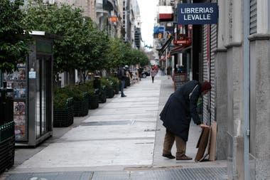 La calle Florida, vacía, símbolo del duro momento por la pandemia