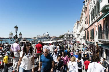 Venecia, antes de las pandemia era de los exponentes del sobreturismo y los daños colaterales que se generaban por el exceso de vistantes