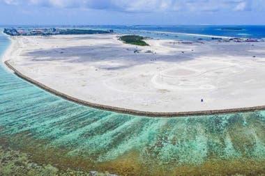 La nueva isla artificial de Hulhumalé se construyó utilizando millones de metros cúbicos de arena extraídos del lecho marino