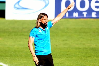 Beccacece armó una formación con suplentes y juveniles. Racing piensa en la Libertadores.