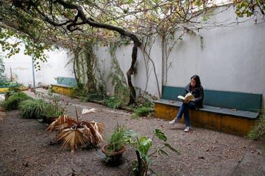 Patio trasero de la Biblioteca José Marmol