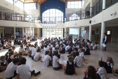 Los alumnos del colegio Michael Ham, en jornada KiVa