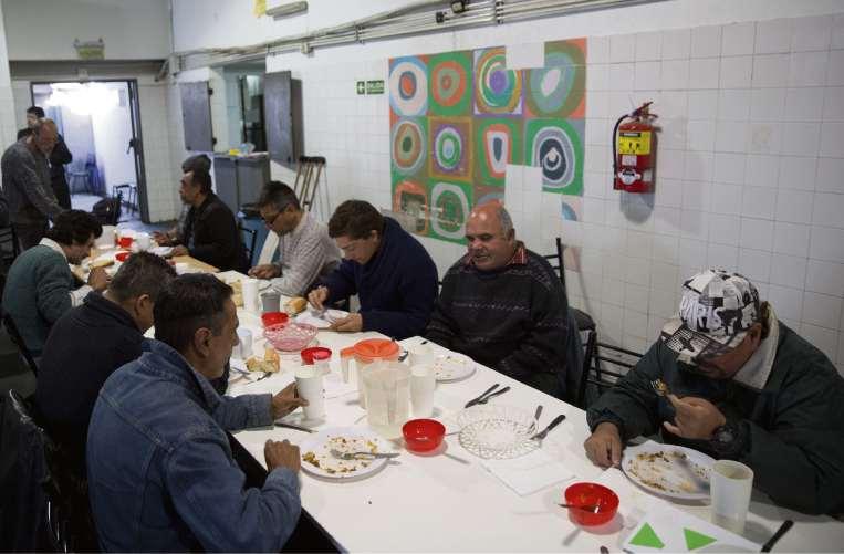 El almuerzo en el parador que funciona en Retiro