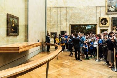 La vista de la Mona Lisa en el Louvre de París