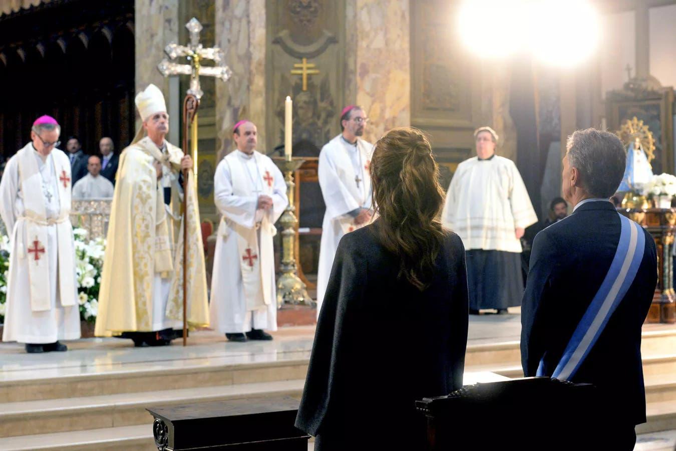 Más allá de los cortocircuitos de las últimas semanas por el apoyo a Moyano, representantes del Gobierno y la Iglesia negocian un entendimiento para modificar las contribuciones estatales al culto