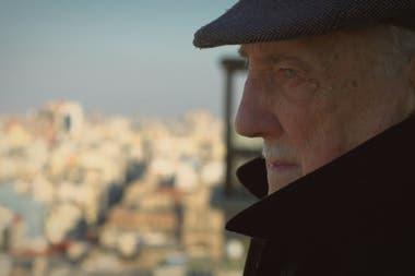 Un documental para sumergirse en la apasionante y emotiva vida del director y músico Jorge Martínez Suárez