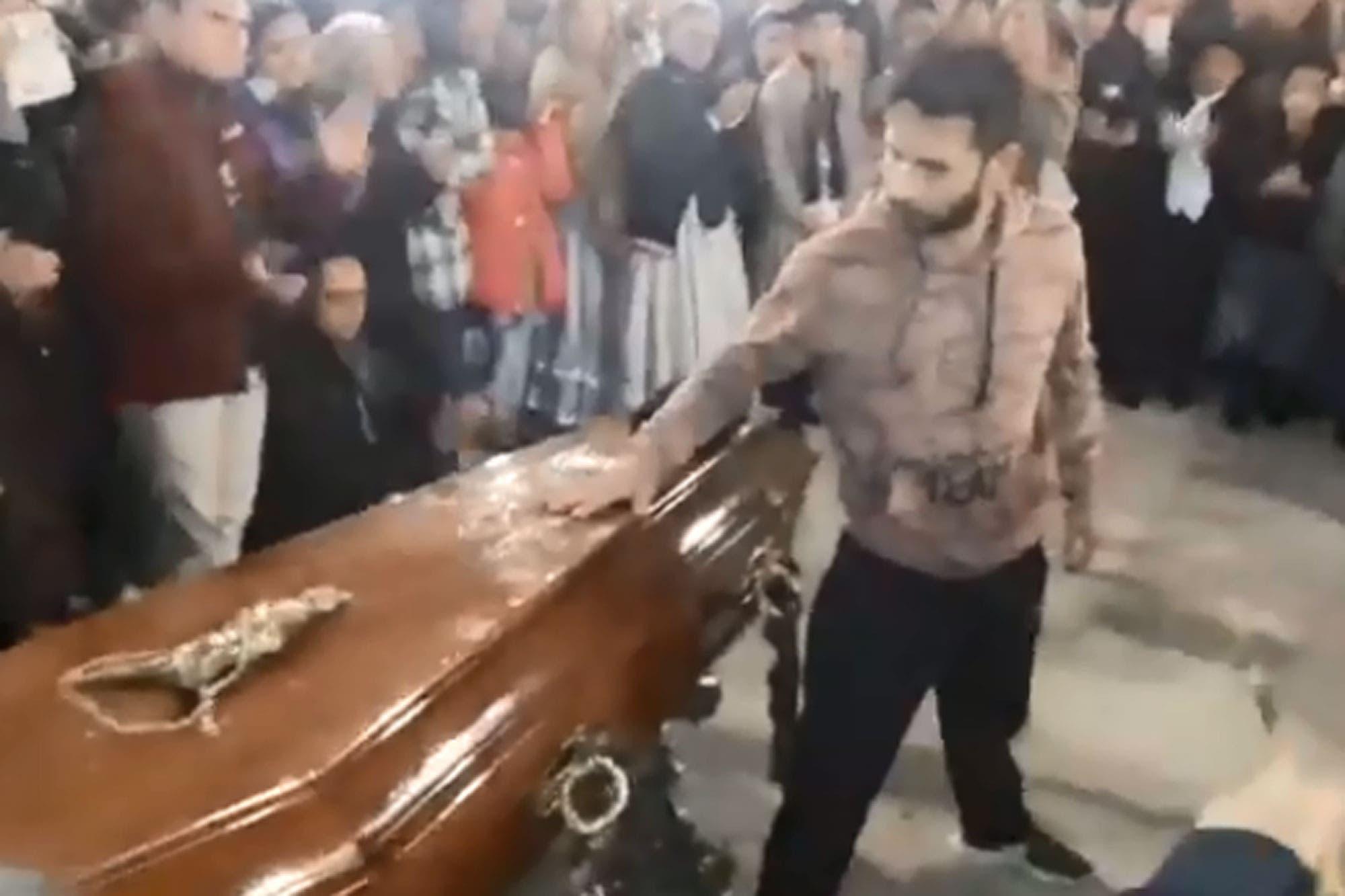 El impresionante funeral de un profesor de folklore tucumano: sus alumnos bailaron malambo en su honor - LA NACION