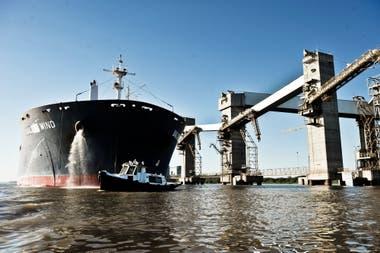 El transporte de productos se hace con mayoría de buques extranjeros