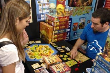 El Catán, uno de los juegos de mesa más populares, llega al país procedente de España