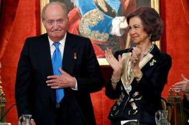 El rey emérito, que tiene 82 años, ha estado casado con la reina Sofía desde 1962