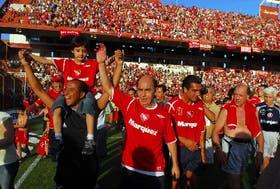 Bochini encabeza la marcha de las glorias de los Rojos