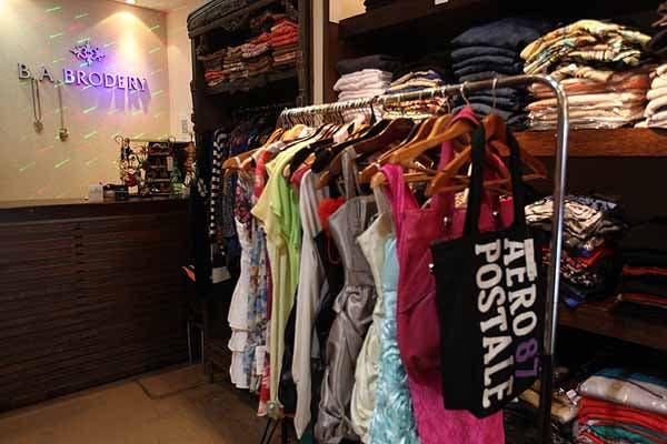 0ffefa1b8630 ¡Descubrí los mejores lugares para comprar ropa barata en la avenida  Avellaneda! - LA NACION