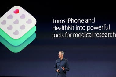 Jeff Williams, vicepresidente senior de operaciones de Apple durante la presentación de ResearchKit