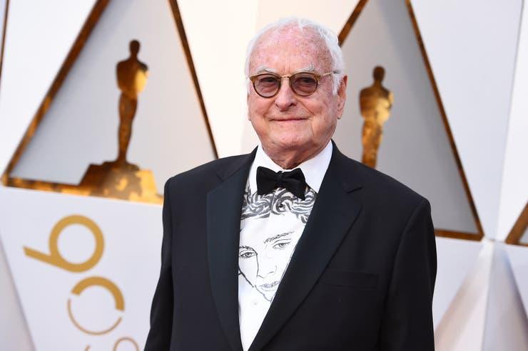 James Ivory, luciendo la remera del personaje de Timothée Chalamet en Llámame por tu nombre, la película que escribió y por la que fue nominado al Oscar en la categoría mejor guion adaptado