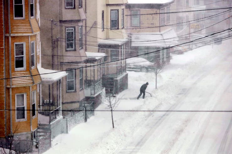Calles desiertas en Bedford, Massachusetts