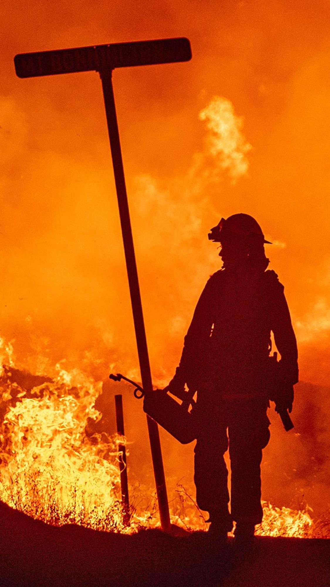 Las llamas arrasaron un pueblo de California: fotos más impactantes del desastre