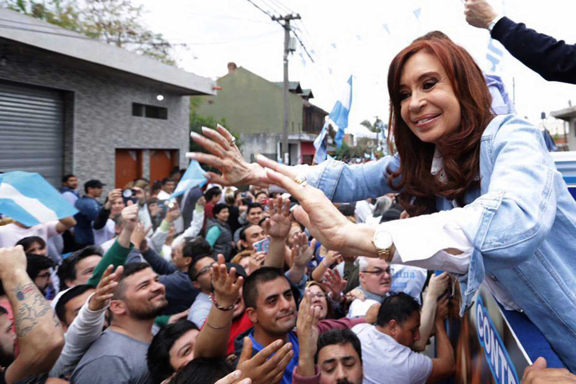 A contramano del escándalo por los cuadernos, Cristina Kirchner avanza con el armado de un frente para 2019