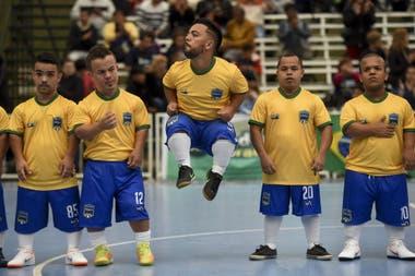 La selección de talla baja de Brasi en la final de la Copa América