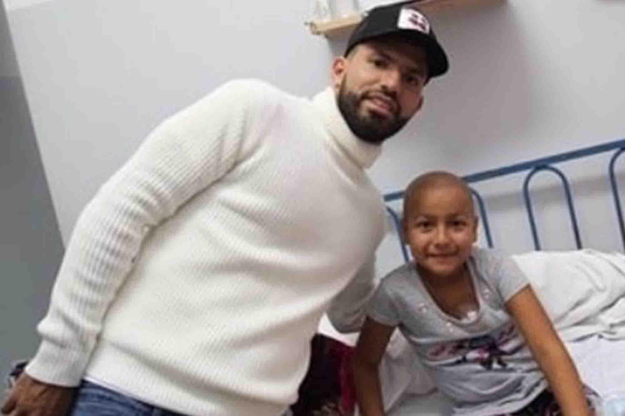 La visita sorpresa de los jugadores de la selección de fútbol al hospital Ricardo Gutiérrez