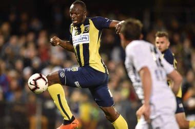 Bolt en tiempos de fútbol en Australia