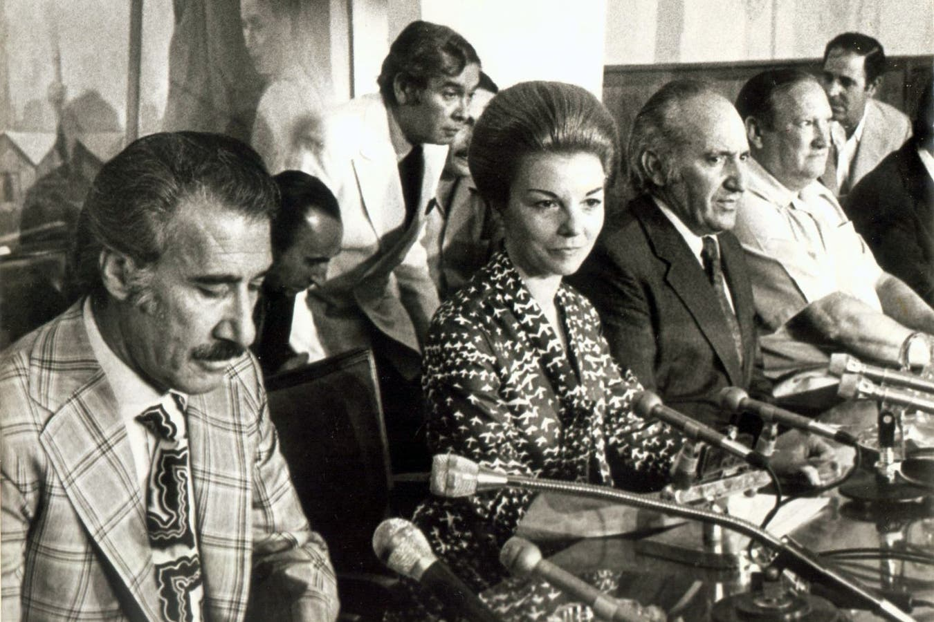 Isabel Perón junto a Casildo Herrera (izquierda) y Lorenzo Miguel (derecha) en la CGT, el 6 de diciembre de 1974