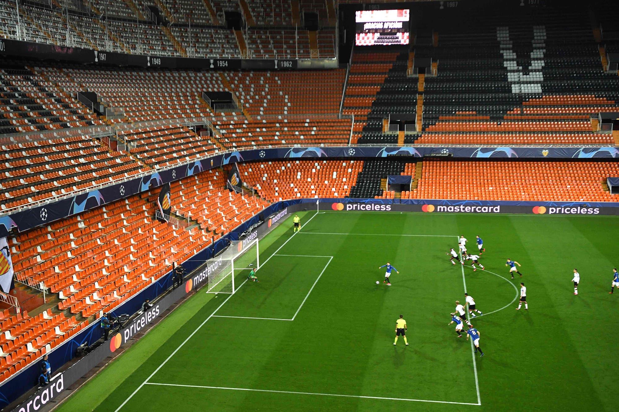 Coronavirus: el caos del fútbol europeo, entre partidos ...