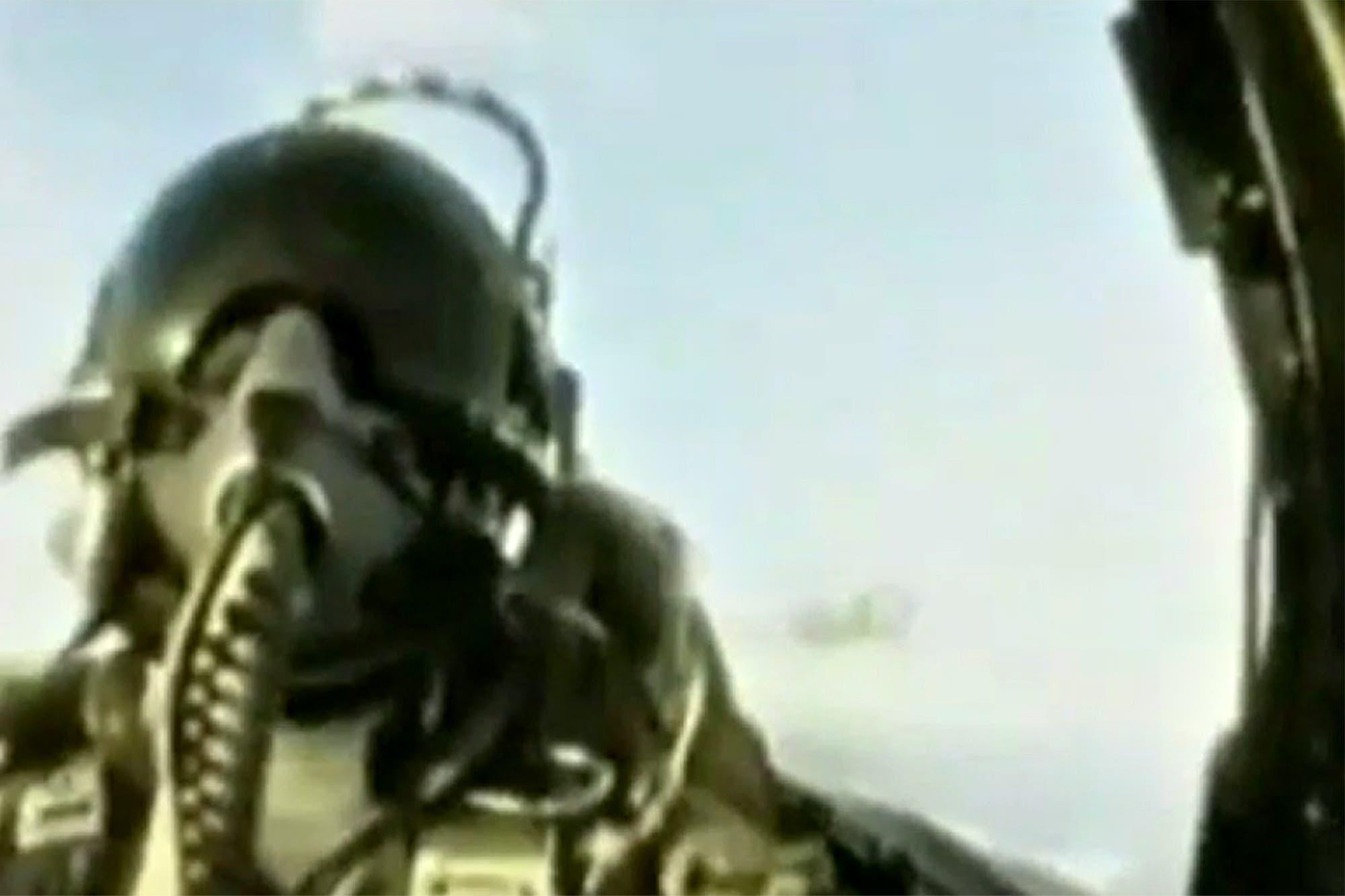 Malvinas: el impactante video que muestra el diálogo de los pilotos que hundieron al destructor Coventry