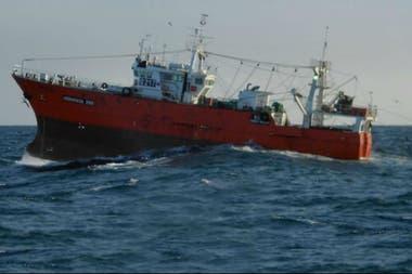 A mayo pasado bajó 27% el desembarque de langostino