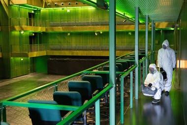 Actual desinfección de las salas de los Teatros del Canal
