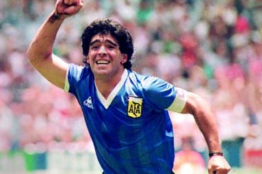 El festejo de uno de sus goles a Inglaterra en el Mundial 86, una postal de su carrera