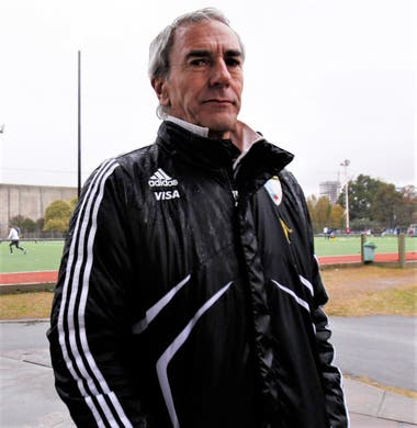 Luis Bruno Barrionuevo, el hombre detrás de escena que conmovió a las Leonas