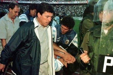 Passarella, DT de aquella Selección, que finalmente se clasificó a Francia 98, pero que aquel día fue protagonista de un bochorno