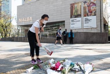 Vecinos elogiaron al inspector Juan Pablo Roldan donde fue asesinado