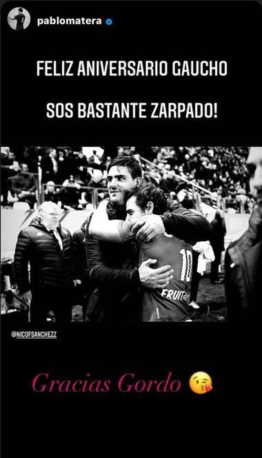 El saludo de Pablo Matera a Nicolás Sánchez. Crédito: Instagram