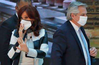 El Presidente coincidió con Cristina Kirchner en que cuesta mucho trabajo conseguir los dos tercios de esa cámara. Antes, había dicho todo lo contrario.