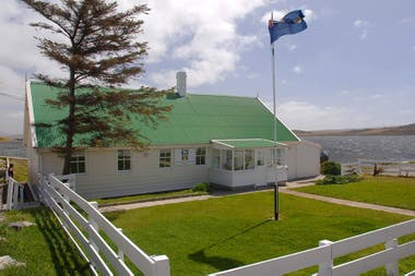 """Cinco de los ocho legisladores de las islas proponen """"trabajar juntos"""" para """"beneficio de ambos pueblos"""""""
