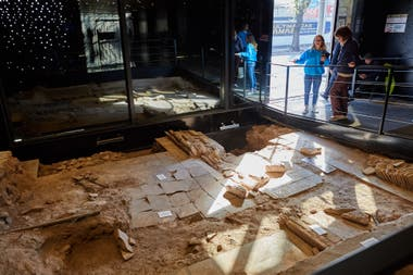 En el museo de la Casa de San Martín quedan a la vista los trabajos de excavación arqueológica que se hicieron en la propiedad