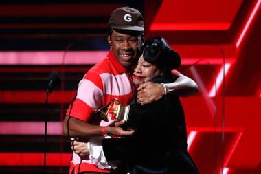 Tyler, The Creator abraza a su madre recibe el premio Mejor Album de Rap Igor.Grammy 2020