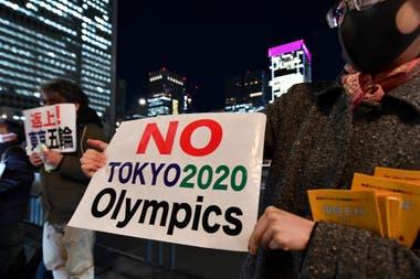 La fuerte oposición de la comunidad deportiva internacional logró que los Juegos se trasladaran a julio de 2021
