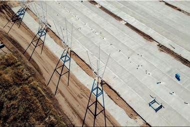 La estructura del techo y de pasarelas cubrirán una una superficie total de 37 mil metros cuadrados