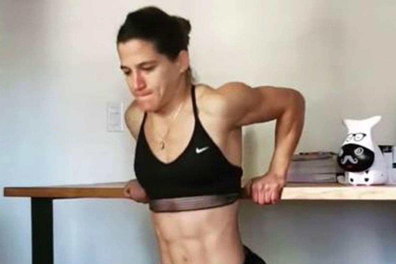 La preparación olímpica de Paula Pareto: la serie de ejercicios que realiza colgada de una mesa