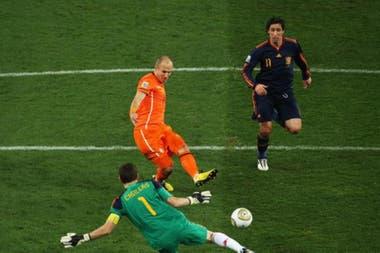 La atajada de Casillas a Robben en la final del Mundial 2010 que convirtió en leyenda al arquero español